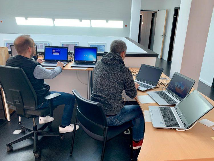 Neu eingerichtete Einsatzzentrale der DAI-IT