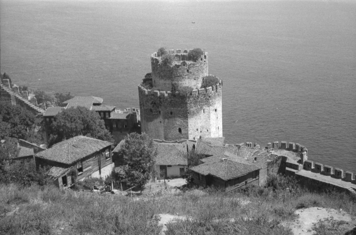 A. Eckstein Rumeli Hisarı, İstanbul, 1945